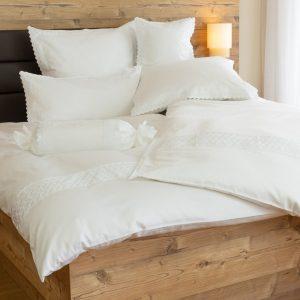 Bettwäsche mit bestickter Spitze
